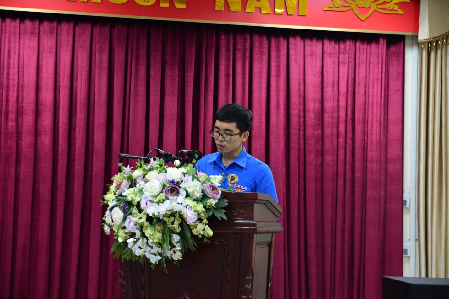 Đ/c Phạm Xuân Bách - Chi hội Y2H trình bày tham luận tại Hội nghị